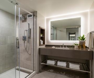 An interior view of a bathroom at Hotel Madera